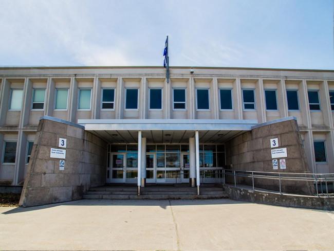 <br><br>École  de Vanier - CSC